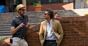 """Na zdj. reżyser filmu """"Zacznijmy od nowa"""" - John Carney i Mark Ruffalo."""