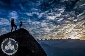 W Himalajach, źródło: www.3wilki.pl.