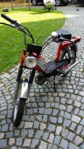 motorcycle-738884_640
