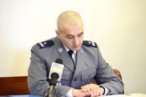 Na zdj. Jarosław Golubek z Komendy Miejskiej Policji w Suwałkach