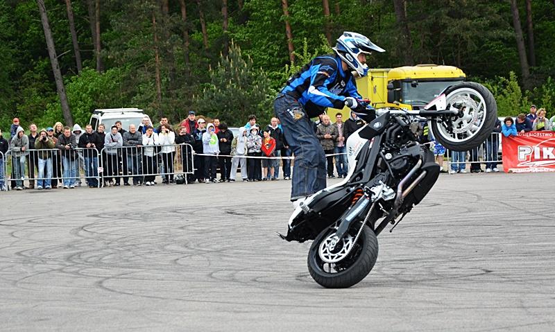 Streetbike freestyle na inauguracji moto-sezonu Niebywałe Suwałki 27